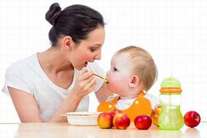 кормление малыша в первые годы жизни